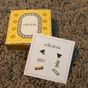 Stella & Dot Aurora Stud Pack Gold